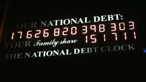 Orologio di debito pubblico stock footage