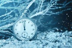 Orologio di mezzanotte Nuovi anni di conto alla rovescia immagini stock