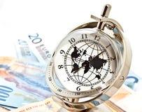 Orologio di modello globale con le banconote 2 Fotografia Stock Libera da Diritti