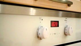 Orologio digitale del forno video d archivio
