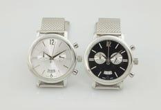 orologio elegante due nei colori del briciolo e del nero Fotografie Stock Libere da Diritti