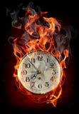 Orologio in fuoco illustrazione vettoriale