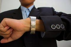 Orologio maschio fissare di affari del vestito Fotografia Stock