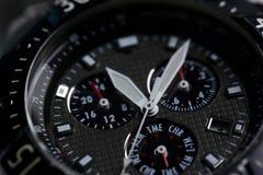 Orologio moderno alla moda di affari del polso immagine stock
