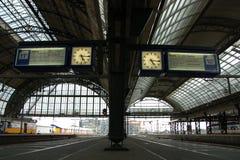 Orologio nella stazione della centrale di Amsterdam Fotografie Stock Libere da Diritti