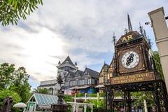 Orologio romano d'annata al centro commerciale di Pickadaily Bangkok nello stile di Europa o inglese, shopp Immagine Stock