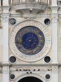 Orologio sul quadrato di St Mark a Venezia fotografie stock libere da diritti