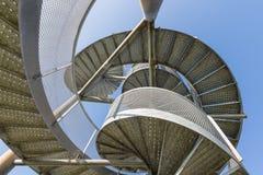 Orologio-torre fatta delle scale a chiocciola vicino all'aeroporto di Lelystad, Paesi Bassi Fotografia Stock Libera da Diritti