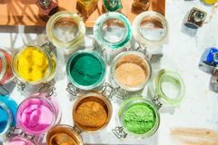 oropel shimmer Para el maquillaje, ropa de la manicura y del adornamiento Fondo brillante hermoso Cosmético, productos de belleza foto de archivo libre de regalías