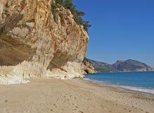 orosei Сардиния Италии luna залива cala пляжа Стоковые Изображения