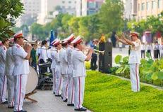Orquesta en el cumpleaños de Ho Chi Minhs, día festivo de Vietnam, H Fotos de archivo