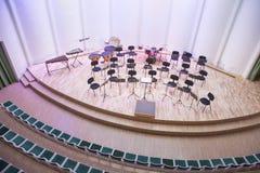 Orquestra da tentativa na casa da cultura Instrumentos e povos de sopro Foto 2019 do curso foto de stock royalty free