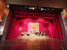 A orquestra na cena do teatro do compartimento Constantin Tanase fotos de stock royalty free