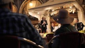 Orquestra no restaurante no quadrado de San Marco vídeos de arquivo