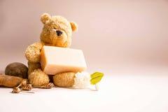 Orso con sapone Immagine Stock