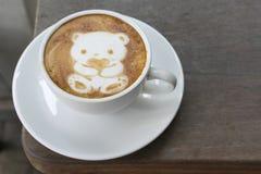 Orso del caffè per il biglietto di S. Valentino Fotografia Stock Libera da Diritti