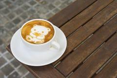 Orso del caffè per il biglietto di S. Valentino Immagini Stock Libere da Diritti