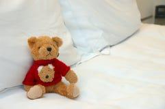 Orso dell'orsacchiotto in base Fotografie Stock Libere da Diritti