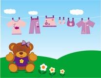 Orso dell'orsacchiotto con i vestiti fotografia stock libera da diritti