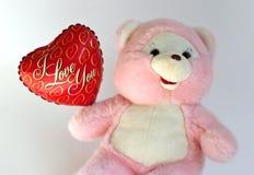 Orso dell'orsacchiotto con l'aerostato del cuore fotografia stock