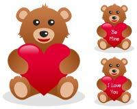 Orso dell'orsacchiotto dei biglietti di S. Valentino con cuore Fotografia Stock Libera da Diritti