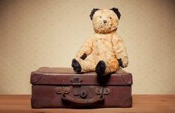 Orso dell'orsacchiotto di nostalgia di infanzia Fotografia Stock Libera da Diritti