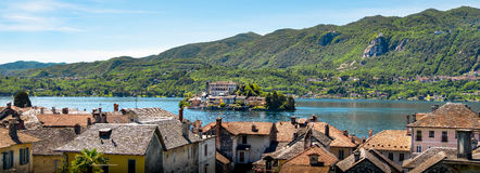 Orta Italy San Giulio jeziorna horyzontalna jeziorna powietrzna wyspa Novara Zdjęcia Stock
