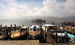 orta SAN λιμνών isola του Giulio στοκ εικόνα με δικαίωμα ελεύθερης χρήσης