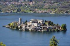 Orta sjö, San Giulio ö Royaltyfria Foton