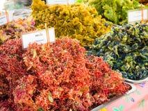 Ortaggi e fiori fritti nel grasso bollente Immagini Stock
