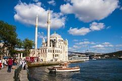 Ortaköy清真寺在伊斯坦布尔 免版税库存照片