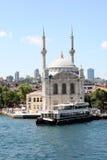Ortaköy Moschee lizenzfreie stockbilder