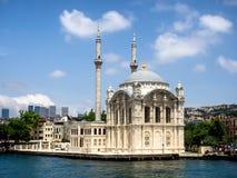 Ortakoy清真寺在伊斯坦布尔, 库存照片