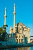 ortakoy istanbul moské Arkivfoto