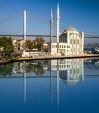 ortakoy meczetu Most nad Bosporus Zdjęcia Royalty Free