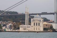 Ortakoy moské i Istanbul Royaltyfria Foton