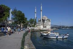Ortakoyen Camii i Istanbul i Turkiet Royaltyfri Bild