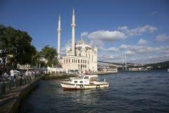 Ortakoymoskee in Istanboel, Turkije Royalty-vrije Stock Foto's