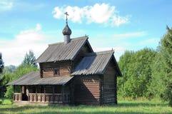 Orthodoxal hölzerne Kirche Lizenzfreies Stockbild