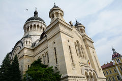 Orthodoxe Kathedraal en waterfontein in cluj-Napoca royalty-vrije stock afbeelding