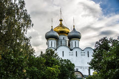 Orthodoxe Kathedrale in Monodevichy-Kloster Stockfotos