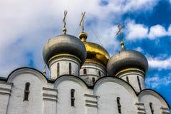Orthodoxe Kathedrale in Monodevichy-Kloster Lizenzfreie Stockfotografie