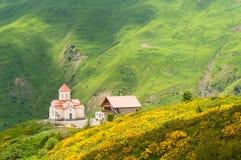 Orthodoxe kerk in Gudauri, Georgië Royalty-vrije Stock Fotografie