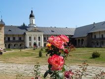 Orthodoxe kerk in het Noordelijke deel van Roemenië stock afbeeldingen