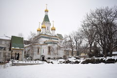 Orthodoxe kerk in sneeuw, Sofia, Bulgarije Royalty-vrije Stock Fotografie
