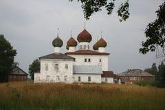 Orthodoxe kerken vóór het onweer Royalty-vrije Stock Fotografie