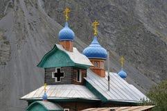 Orthodoxe Kirche in den Bergen von altai Lizenzfreies Stockfoto