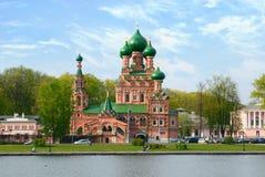 Orthodoxe Kirche im alten Landsitz Ostankino, Moskau Stockfotografie