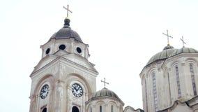 Orthodoxe Tempel, Koepel met Kruisen stock video