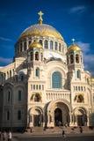 Orthodoxe Zeekathedraal van Sinterklaas in Kronstadt stock afbeeldingen